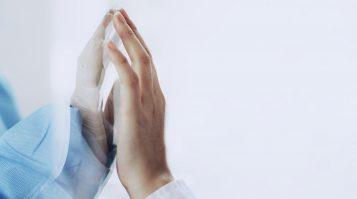 Povolenie návštev pre covidových pacientov v nemocniciach